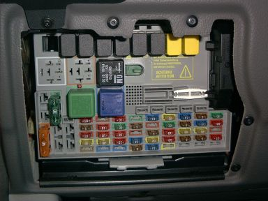 Sicherungen also Watch furthermore ElectricalCircuitsRelays together with Straightening Out Gm Electric Power Steering besides Replace. on chevy fuse box diagram